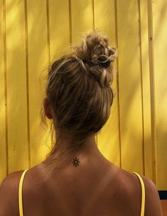 See more of hannahrodg's VSCO. Little Tattoos, Mini Tattoos, Small Tattoos, Surfergirl Style, Cute Tats, Tatoo Henna, Piercing Tattoo, Mellow Yellow, Colour Yellow