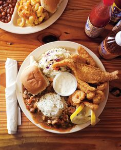 The Capital of Cajun Country: Lafayette, Louisiana Travel Guide It's long been one of the South's great stomach-stretching pleasures to eat outside of Lafayette in South-Central Louisiana, to burn a tank of gas or two z Louisiana Recipes, Southern Recipes, Southern Food, Creole Recipes, Cajun Recipes, Cajun Cooking, Cajun Food, Lafayette Louisiana, Nutrition