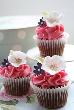 Mini flower cupcakes | Flickr - Photo Sharing!