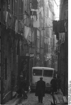 Marseille sous l'occupation. Le quartier du Vieux Port. Janvier 1943, photographie Wolfgang Vennemann.