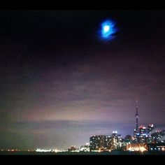 Toronto was the second city to participate in Earth Hour - this photo from 2012 is beautiful (via @vanillalips)