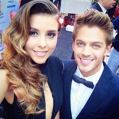 #Bonita #PremiosTVyNovelas2015 #PoloMorin #PauGoto @martinademarte