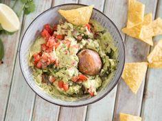 Guacamole – so gelingt dir der cremige Avocado Dip Guacamole – that's how you manage the creamy avocado dip Dip Recipes, Healthy Recipes, Clean Eating, Healthy Eating, Healthy Food, Avocado Dip, Healthy Drinks, Veggies, Food And Drink