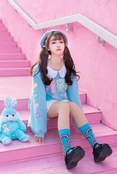 Kawaii fashion, Lolita fashion and Harajuku girls Harajuku Mode, Harajuku Girls, Harajuku Fashion, Kawaii Fashion, Lolita Fashion, Cute Fashion, Fashion Outfits, Fashion Styles, Daily Fashion