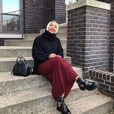 After I'm fed 🙃 Modest Outfits Muslim, Modest Fashion Hijab, Modest Wear, Modest Dresses, Burqa Designs, Abaya Designs, Islamic Fashion, Muslim Fashion, Modern Hijab Styles