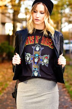 "@Alison Hutchinson of ""Styling My Life"" rocking UO's tee, skirt and beanie #urbanoutfitters #gunsnrose"
