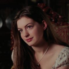 What Fans Should Know About Anne Hathaway – Celebrities Woman Film Aesthetic, Aesthetic Girl, Anne Jacqueline Hathaway, Pretty People, Beautiful People, Ella Enchanted, Celebs, Celebrities, Celebrity Crush