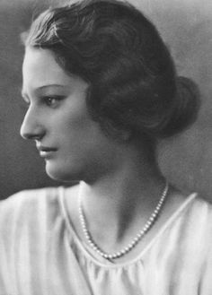 Queen Astrid of Belgium, Princess of Sweden