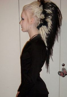 Merry's Synthetic Dreads: My fav dreads...freakin hair art, man!