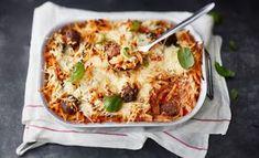 Lihapulla-pastavuoka on loistava koko perheen arkiruoka. Easy Cooking, Cooking Recipes, Healthy Recipes, Finnish Recipes, Fodmap Recipes, Quick Meals, Pasta Dishes, Superfood, Food Inspiration