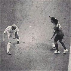 Ronaldinho with Zidane <3