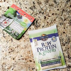 As I am traveling I pack my own snacks and breakfast items. Every morning is a smoothie courtsey of @gardenoflife. The protein and greens is my favorite protein supplement from the company. The raw contains over 34 nutritional-dense greens sprouts and veggies. My go-to for traveling on the road.