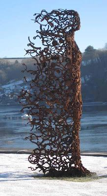 Eclectitude: Penny Hardy - Metal Sculpture   make it with more of a human profile......L