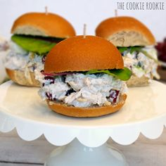 Skinny Chicken Salad Sliders made with Greek Yogurt! Healthy chicken salad? yes please! - The Cookie Rookie