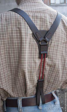 Пояса, ремни ручной работы. Кожаные подтяжки. Илья Земсков. Ярмарка Мастеров. Натуральная кожа, оригинальное украшение Leather Tool Belt, Leather Apron, Leather Holster, Leather Tooling, Leather Men, Mens Leather Suspenders, Leather Braces, Leather Projects, Leather Design