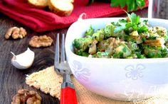 Теплый салат из цукини с грецким орехом   Кулинарные рецепты от «Едим дома!»