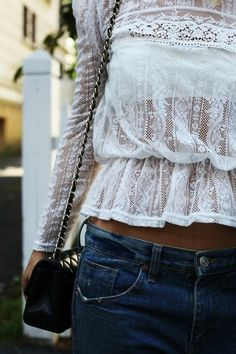 Lace shirt and bandeau boho Street Style Outfits, Looks Street Style, Looks Style, Style Me, Looks Jeans, Mode Shoes, Look Fashion, Womens Fashion, Denim Fashion