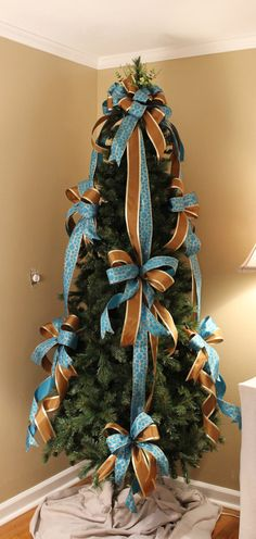 Blue / Brown Designer Christmas Tree Bow Set by ThePineConeCottage Ribbon On Christmas Tree, Christmas Tree Design, Noel Christmas, Holiday Tree, Xmas Tree, All Things Christmas, Christmas Wreaths, Christmas Crafts, Christmas Tree Storage