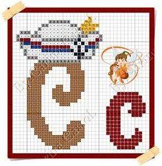 Boa sexta-feira!  Hoje o Mickey resolveu navegar por essas bandas    Aqui o gráfico     E aqui o monograma da minha fadinha amiga Carina ... Letras Do Mickey, Cross Stitch Alphabet, Geronimo, Hama Beads, Smurfs, Diy And Crafts, Kids Rugs, Embroidery, Lucca