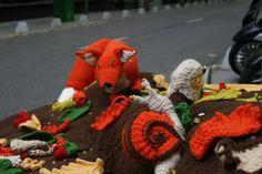 ¿Atrapará al conejito? :) #LanaConnection #CampañaporlaLana #Crochet