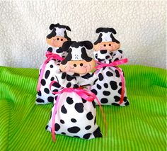 Cow party favor bag by propuestaunica on Etsy, $4.49