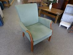 Parker knoll armchair, perfect re-upholstery project --------------- £65 (pc295)
