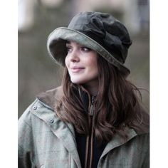 2c744493c498d Rain Hat Women Country Wear, Country Outfits, Country Fashion, London Rain,  Fashion
