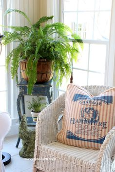 Savvy Southern Style: Yellow to Aubusson Blue