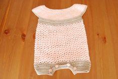 Baby romper crochet. Peleles, petos, vestiditos y chaquetas de bebé tejidos a crochet para encargar, en el color y modelo que más te guste.