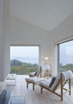 Vega Cottage by Kolman Boye Architects (8) - Love these chairs..