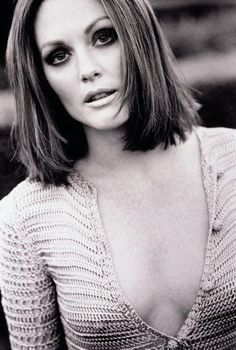 Julianne Moore - the hair cut/ the smokey eyes/ and the cleavage = extra sexy