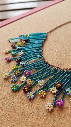 Beaded Necklace Patterns, Beaded Choker Necklace, Diy Necklace, Beading Patterns, Crochet Earrings, Necklaces, Bead Loom Bracelets, Beaded Crafts, Handmade Bracelets