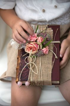 Porta anillos en libro vintage El Taller de Joan