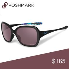 Tone It Up Oakley's - Overtime Like New! Woman's polarized sunglasses! Oakley Accessories Sunglasses