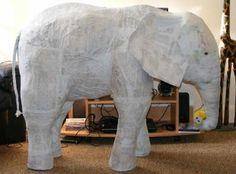 Elefante de papel mache