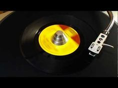 Smokey Robinson & The Miracles - The Tears of A Clown (Vinyl) Rock N Roll Music, Rock And Roll, Willie Dixon, Smokey Robinson, Beach Music, Brown Pride, Old School Music, Neo Soul, Stevie Wonder