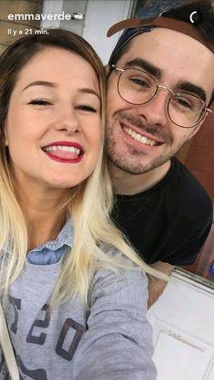 Emma verde et son amoureux il sont trop cute Emma Verde, Rosalie, Parfait, Youtubers, Stars, Bonjour, Life, Hair, Animaux