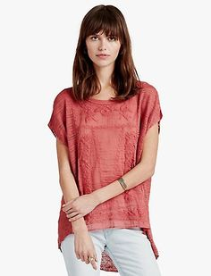 Expand and enhance your wardrobe with the variety of women's discount clothing at Lucky Brand. Look and feel your best in irresistible discount womens clothing.
