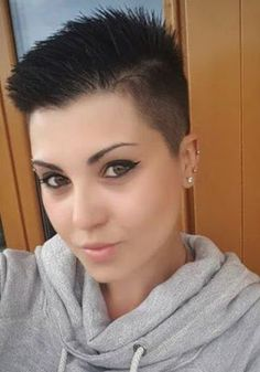 Pin on Short Haircuts Wonderful Short Edgy Haircuts 2020 for Women to Look Chic and Trendy Edgy Haircuts, Cute Haircuts, Cute Hairstyles For Short Hair, Short Hair Cuts For Women, Hairstyles Haircuts, Short Hair Styles, Really Short Hair, Super Short Hair, Platinum Blonde Balayage
