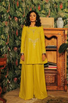 Rozana | ETHNIC Strike A Pose, Top Sales, Winter Collection, Beautiful Dresses, Fitness Models, Classy, Poses, Suits, Chic