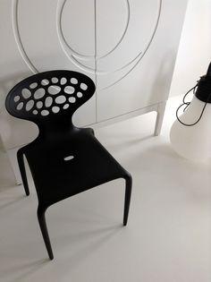 #KOLAB _d o m o \ designed KASIA #ORWAT home design \ #black & #white \ SUPERNATURALS chair | Design :: Ross Lovegrove | for MOROSO \ + IKEA furniture + #resin flooring