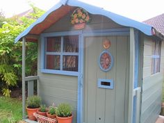 Wendy house ideas little bit of home Guinea Pig House, Guinea Pigs, Indoor Rabbit, Stairs In Living Room, Wendy House, Modern Sink, Small Studio, Types Of Houses, Kids House