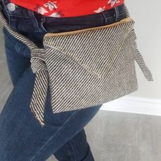 The woolly hipbag now has its handle. 😎 It matches so well with jeans. 😊....#hipbag #handmade #pencilcase #makeupbag #zipperpouch #pouchbag #makeup #pouch #bag #sac #pochette #maquillage #petawawa #pembrokeontario #ontario #canada #handmadeinontario #madeincanada #handmadeincanada #ottawavalley #love #cute #lovesewing