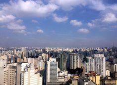 Um dos lugares para se ver São Paulo do alto é do edifício Copan. Uma passeio de graça onde podemos ver um visual diferente da cidade. ------ One of the places to see São Paulo from the top is the Copan building. A free tour where we can see a different look of the city. ------ #saopaulocity #brasil #sampa #saopaulo #bestvacations #igtravel #instatravel #photooftheday #picoftheday #traveladdict #travelblog #travelgram #trip #viagem #wanderlust #worldplaces #brasil_greatshots #brazilgram…