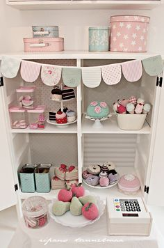 Talk about inspiration pretend okay! Cubby Houses, Play Houses, Wendy House, Toy Rooms, Little Girl Rooms, Handmade Toys, Girls Bedroom, Diy For Kids, Playroom