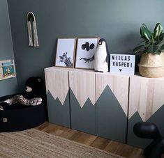 IKEA IVAR Hack: The wooden shelf in the nursery – Decorating Ideas Ikea Kids, Modern Drinks Cabinet, Modern Buffet, Ikea Ivar Hack, Chambre Nolan, Boy Room, Kids Room, Ivar Regal, Ikea Ivar Cabinet