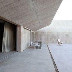 Villa Além in Portugal by Valerio Olgiati (How To Build A Shed On Concrete)
