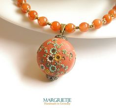 Clementine necklace by Eva Thissen. So intricate!
