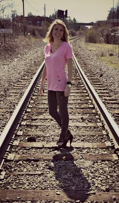 Lipstick Heels and a Baby Blog. Jessica Fay. DIY distressed tshirt