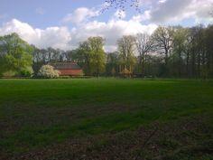 2014-04-13 Mooie boerderij naast kasteel De Kieftskamp bij Kranenburg